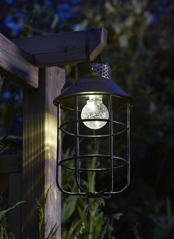 Zephyr smart solar decorative metal garden lantern solar light