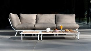 Beach Lounge Coffee Table with Roble Top