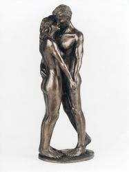 The Kiss Sculpture