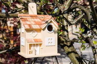 Nestling Cottage Bird House - Yellow