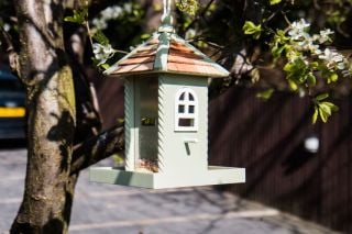 Nestling Bird Feeder - Green