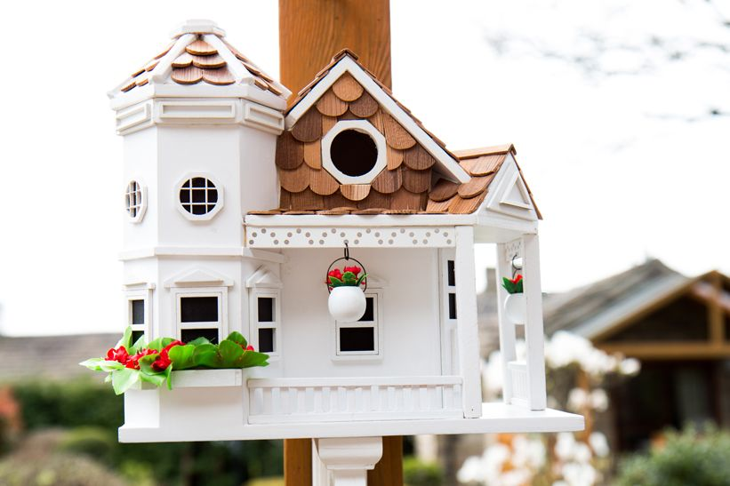 Sea Cliff Cottage Bird House - White