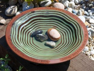 Echoes Bird Bath with 3 Glazed Feet