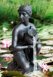 Isabella Statuette Water Feature