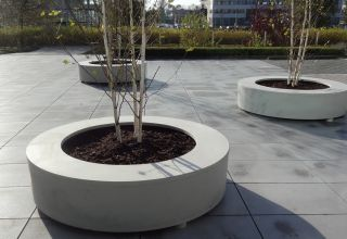 180cm Bodil Polymer Concrete Ring Seat Planter In Light Grey By Adezz