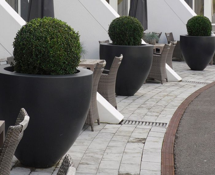 90cm Canna Fibreglass Tapered Pot In Black