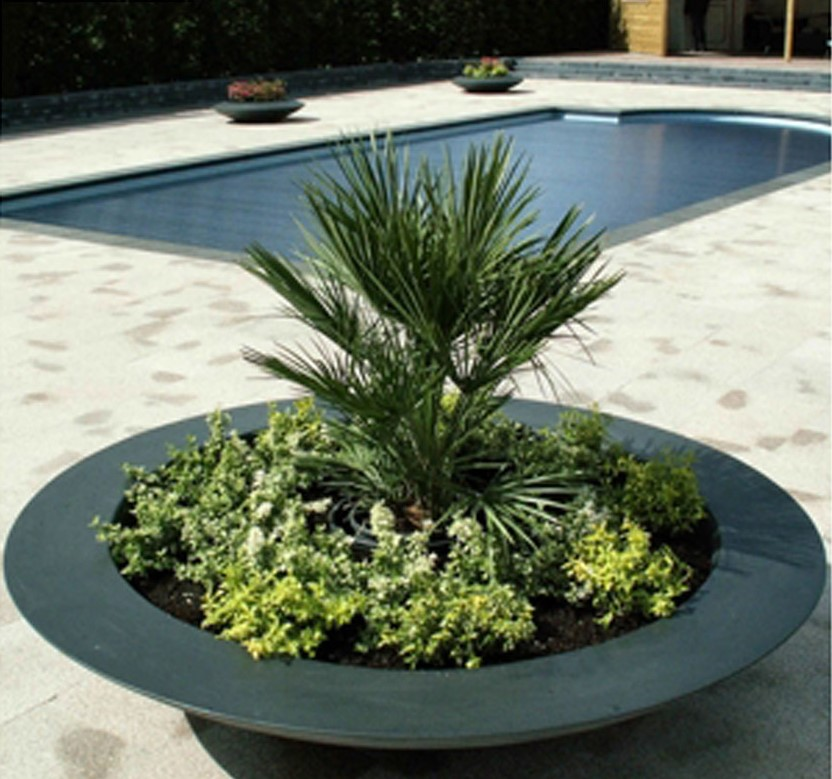 200cm Diam Ceder Fibreglass Bowl Planter In Black By Adezz