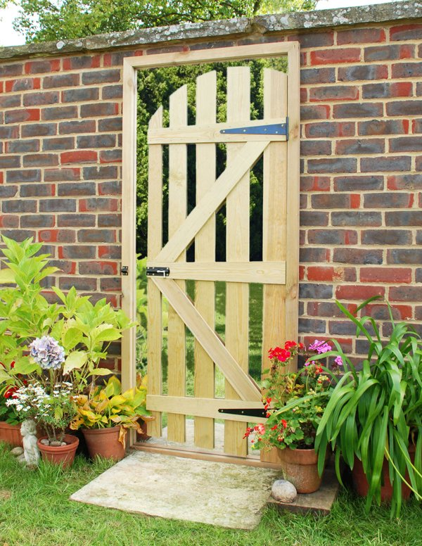6ft 2in x 2ft 8in Illusion Mirror Gate - by Reflect™