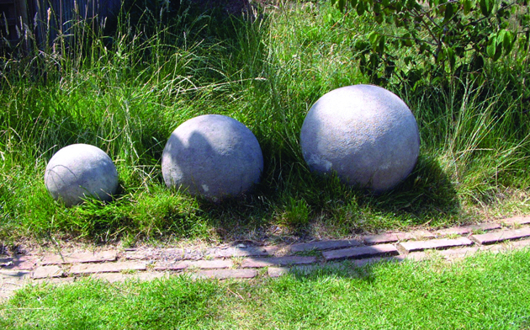 Sphere Stone Statues - Set of 3