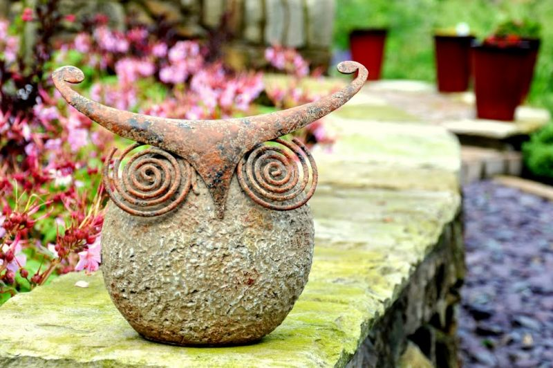 Wise Owl Garden Ornament - 21cm