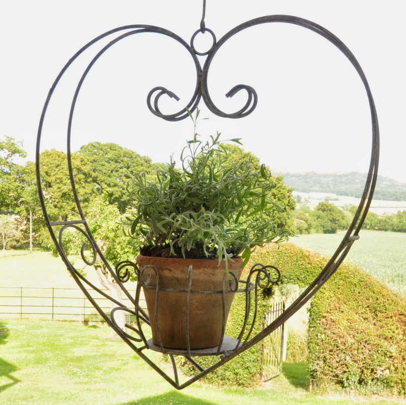 Trisha Hanging Heart Planter Garden Ornament