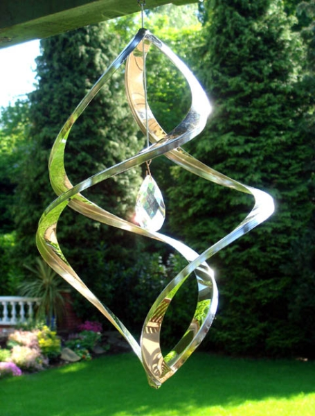 Crystal Nova Hanging Wind Sculpture
