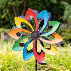 Shooting Star Wind Spinner with LED lights Dia 45cm by Primrose®