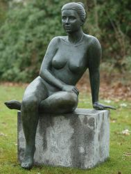 Sitting Naked Woman Statue