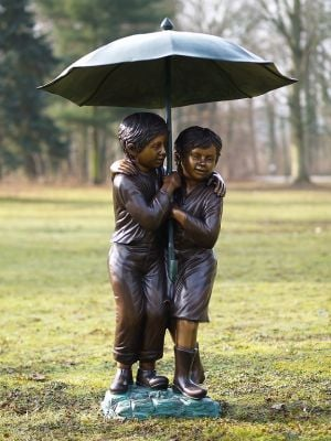 2 Children Under Umbrella Statue