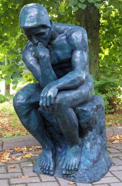 The Thinker Of Rodin Statue