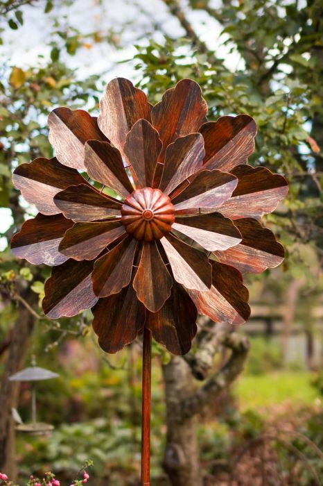Versailles Burnished Gold Wind Spinner Dia 70cm