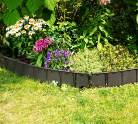 4.5m (14ft 9in)   Connectable Plastic Lawn Edging In Black