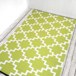 150cm x 240cm (5ft x 8ft) Reversible Outdoor Solitude Rug - Celery Green / White