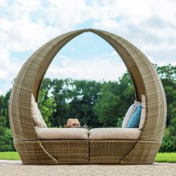Maze Rattan Tuscany Garden Tulip Daybed in Natural