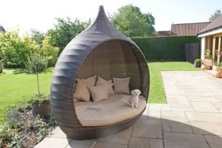 Maze Rattan - Pear Daybed in Brown