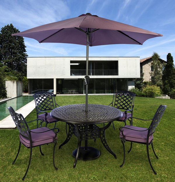 Gypsy Four Seat Round Dining Set in Coke and Blackberry with Parasol