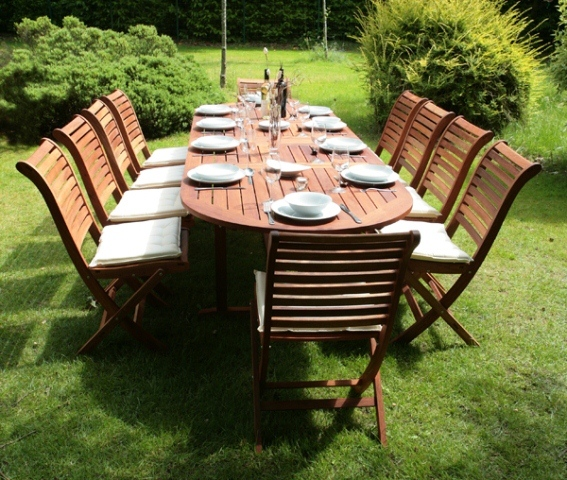 Monkfin stamford hardwood 10 seater oval extendable for 10 seater garden table