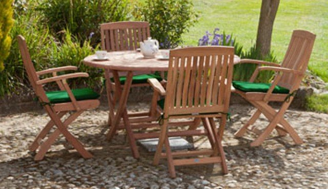 Alexander Rose Mahogany 4 Seater Round Garden Furniture Set in Ecru with Carver Chairs