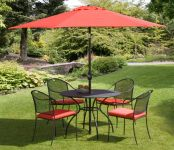 Chelmsford Red 4 Seater Mesh Steel Recliner Set with Parasol