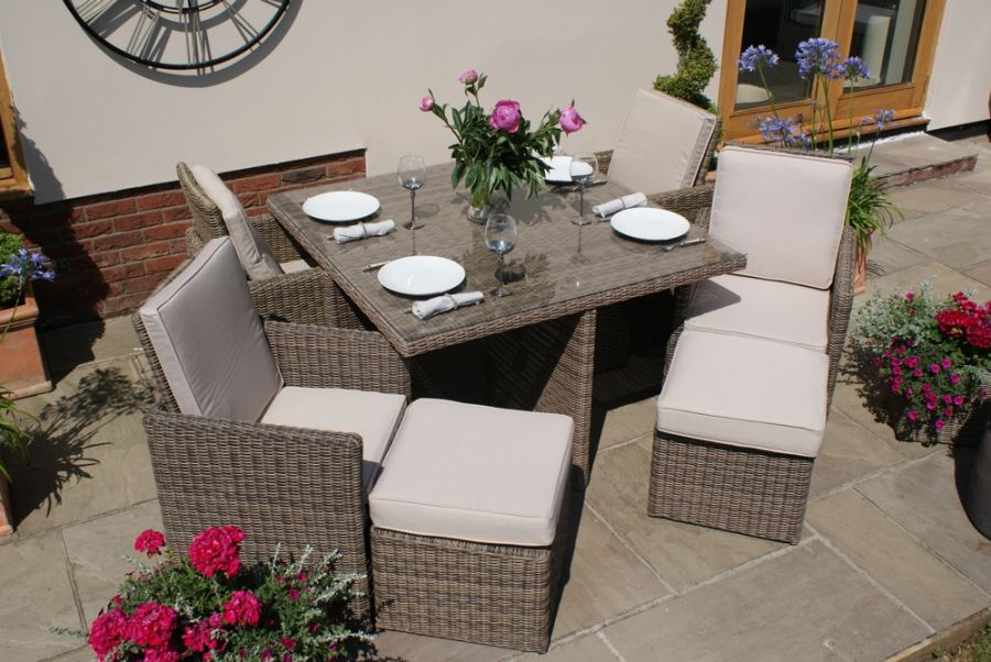Maze Rattan - Winchester 4 Seater Cube Set with 4 footstools