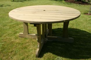 Cotswold Wooden Round Table 1.51m