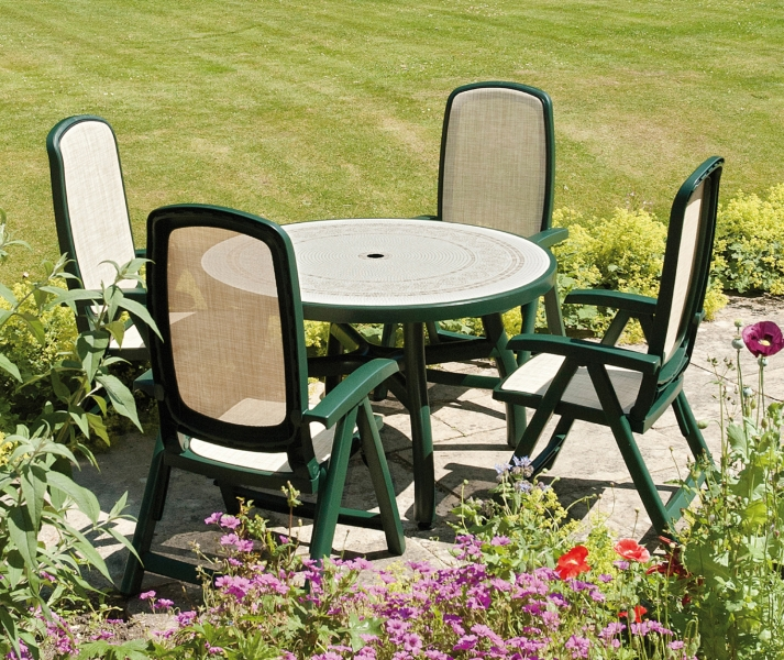 Green Toscana 120 Ravenna With 04 Green Delta Chairs