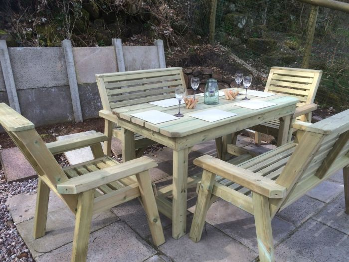 3.3m Churnet 6 Seater Bench and Chair Set