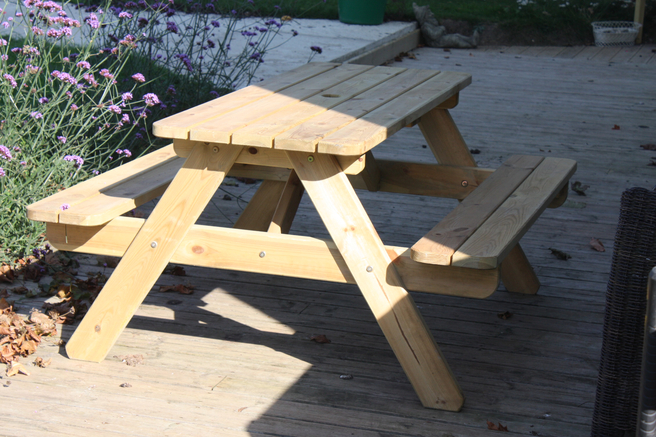 Wooden Garden Picnic Table 1.4m