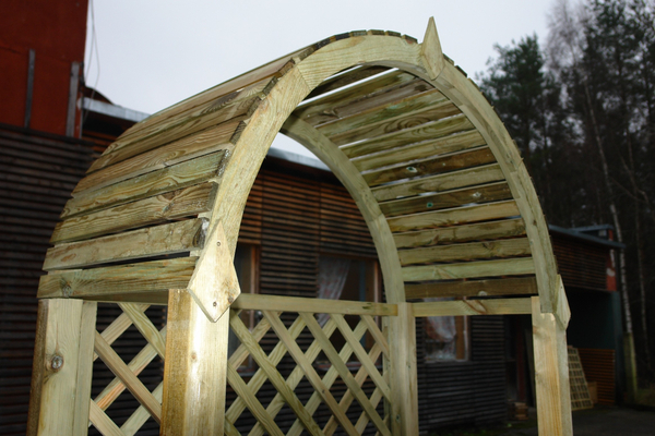 2.18m (7ft 1¾in) Helios Timber Garden Arbour with Fixed Seat