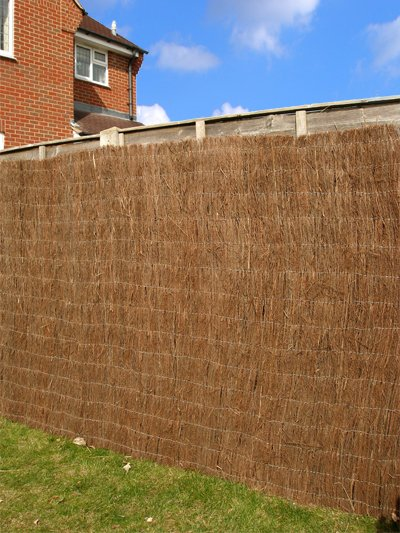 Brushwood Thatch Natural Fencing Screening Rolls (Standard) 4.0m x 2.0m (13ft 1in x 6ft 7in) - By Papillon™