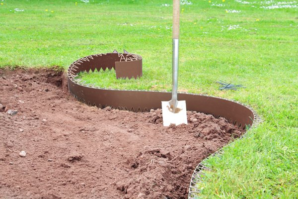 50m easy lawn edging in brown h14cm smartedge for Easy gardener lawn edging