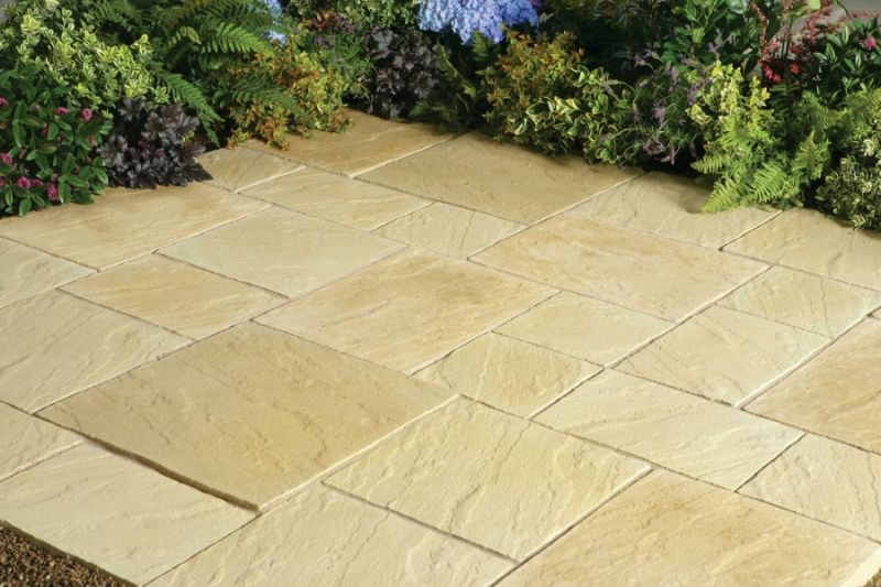Abbey Paving Random Patio Kit 5.76 m² York Gold