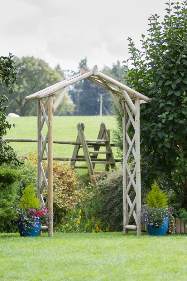 2.1m (6ft 10in) Rustic Wooden Arch FSC® by Zest 4 Leisure®