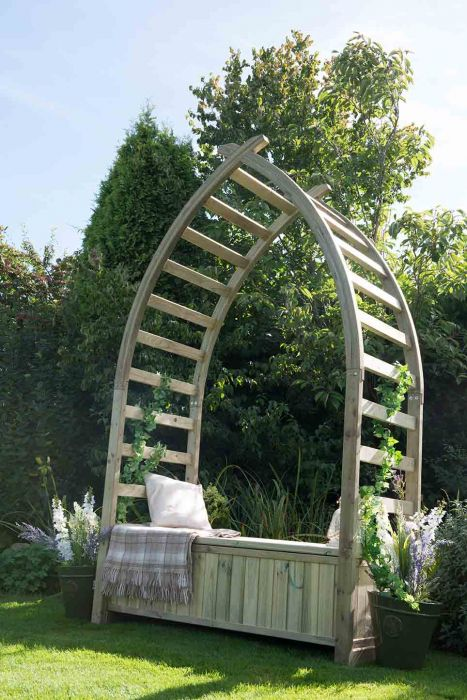 Whitby Arbour - 8 x 5ft