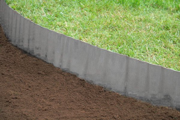 5m galvanised lawn edging roll wavy for Alternative garden edging
