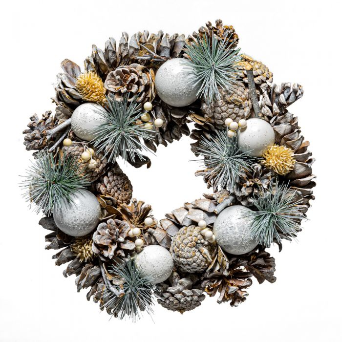 30cm Pinecone and Bristle Christmas Wreath in Box
