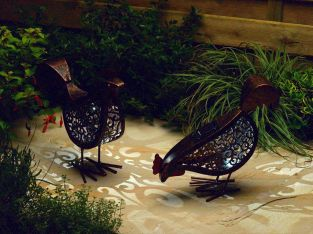 2 Pack Solar Powered Decorative Hens With Light by Smart Solar
