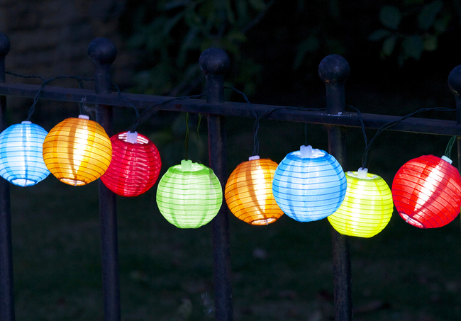 10 Solar Powered Chinese Lantern String Lights by Smart Garden