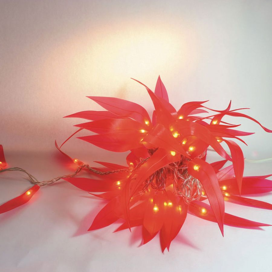 60 (8m/26ft 3in) Warm White Leafantasy Red Mains Powered String Lights