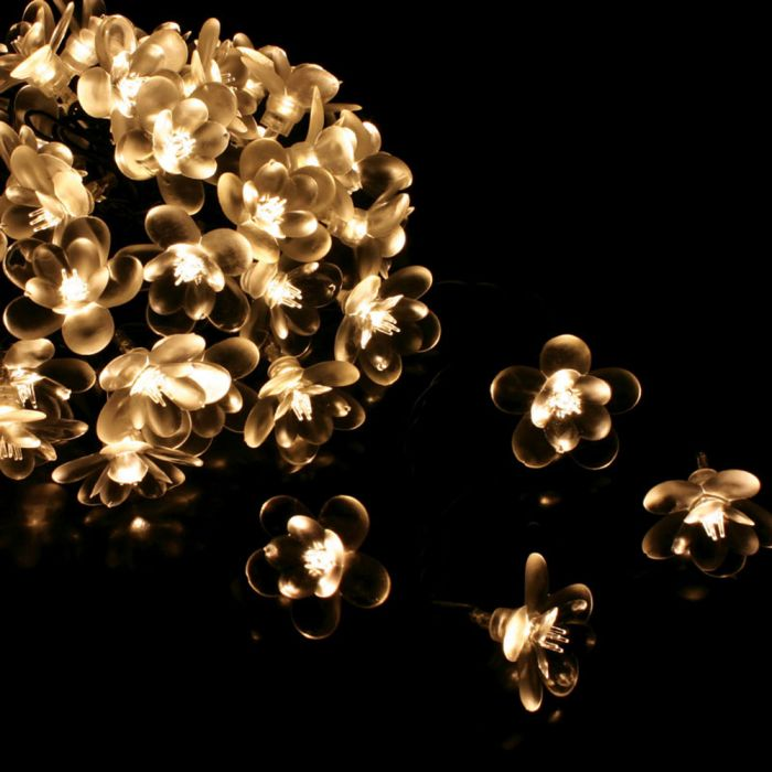 10m/32ft 9in Midnight Flower White Mains Powered 50 Warm White String Lights