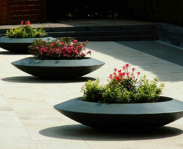 120cm Dia Malva Fibreglass Bowl Planter In Black By Adezz