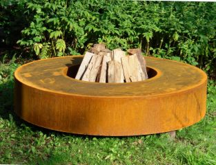 Corten Steel Round Fire Table by Adezz - 1.2m (4ft 1in)
