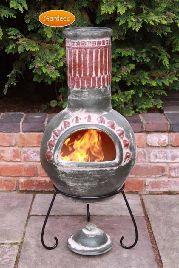 Plumas Clay Chimenea (Green) By Gardeco