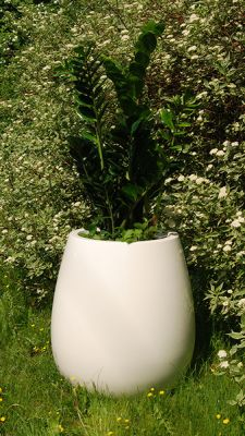 Silba Medium Planter in White  – H60xDia60